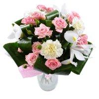 Служба доставки цветов на петроградской купить деревянную подставку под цветы в москве